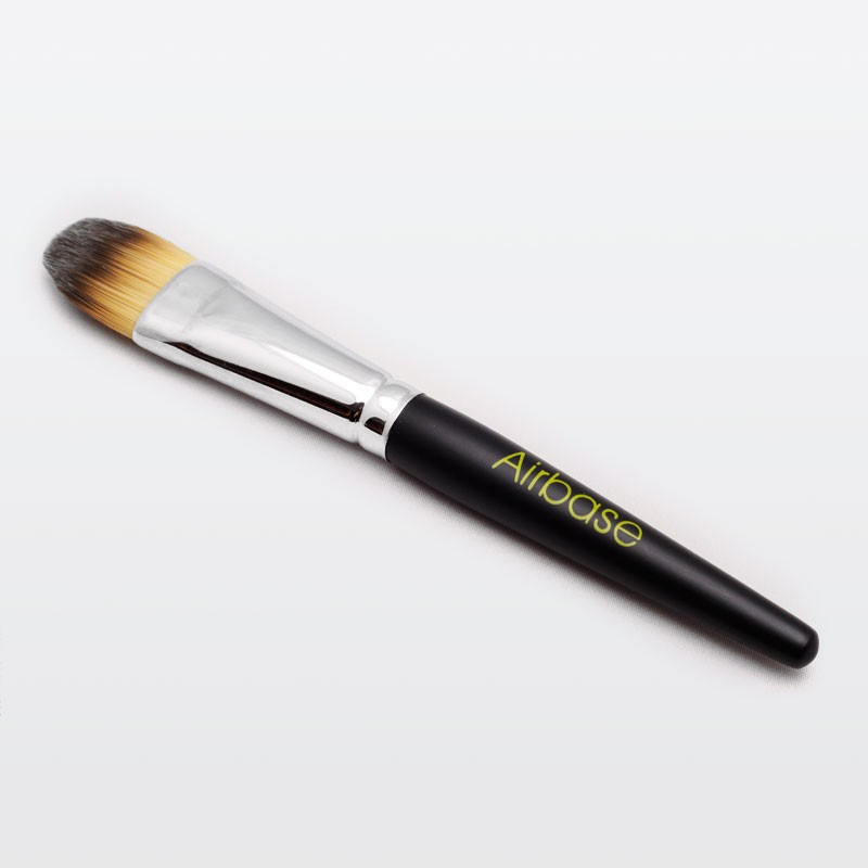 Silicone Ready Foundation Brush.
